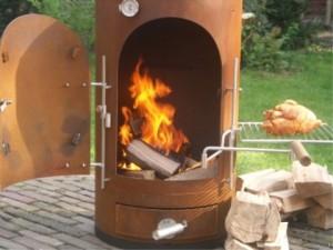 Garden kitchen vuurtje stoken